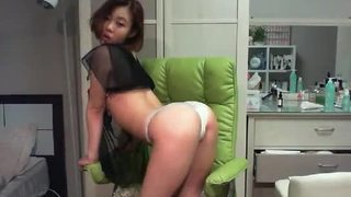 Korean college teen with big tits dancing on cam