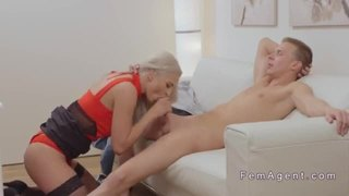 Amateur guy shows big cock in female agent
